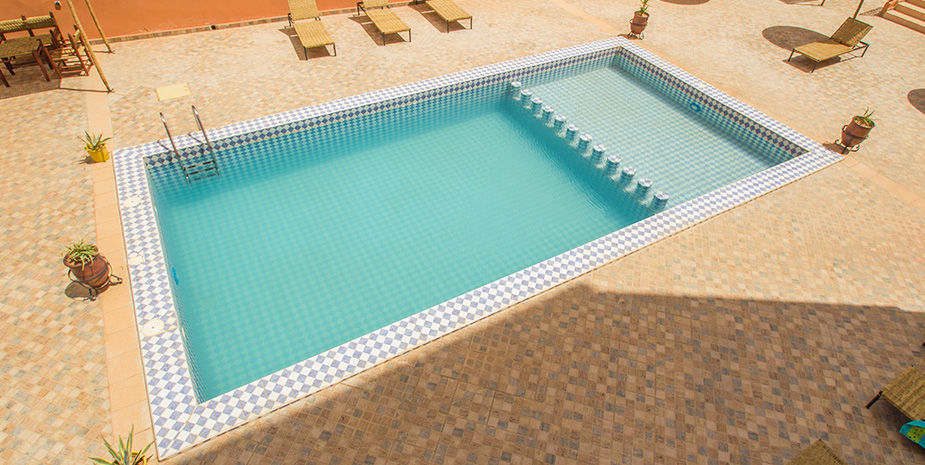 swimmingpool_01